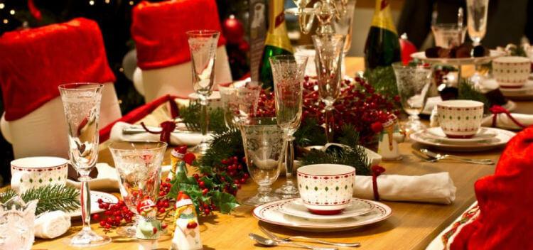 Γιορτινά (παραφορτωμένα) Τραπέζια ….
